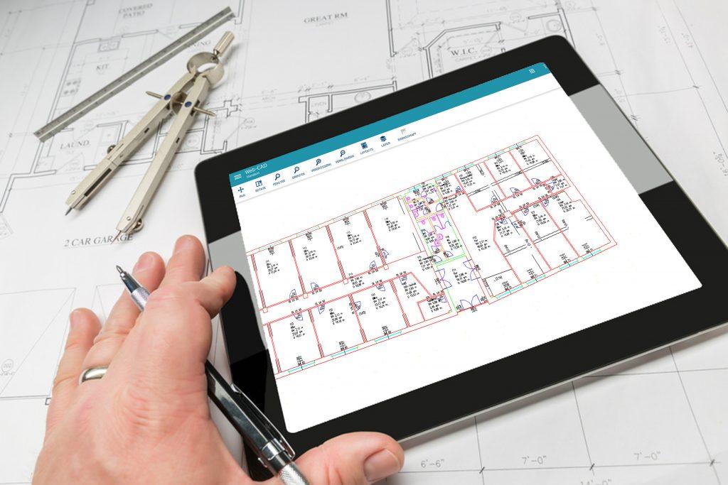 Bild von FAMOSweb-CAD mit Autodesk auf Tablet
