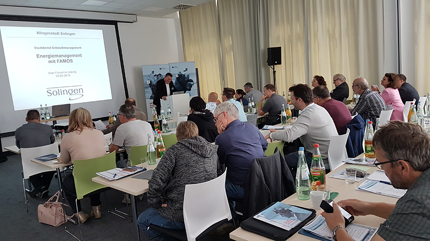 Foto FAMOS User Forum 2019: Anmoderation des Vortrags zum erfolgreichen Energiemanagement mit FAMOS in Solingen